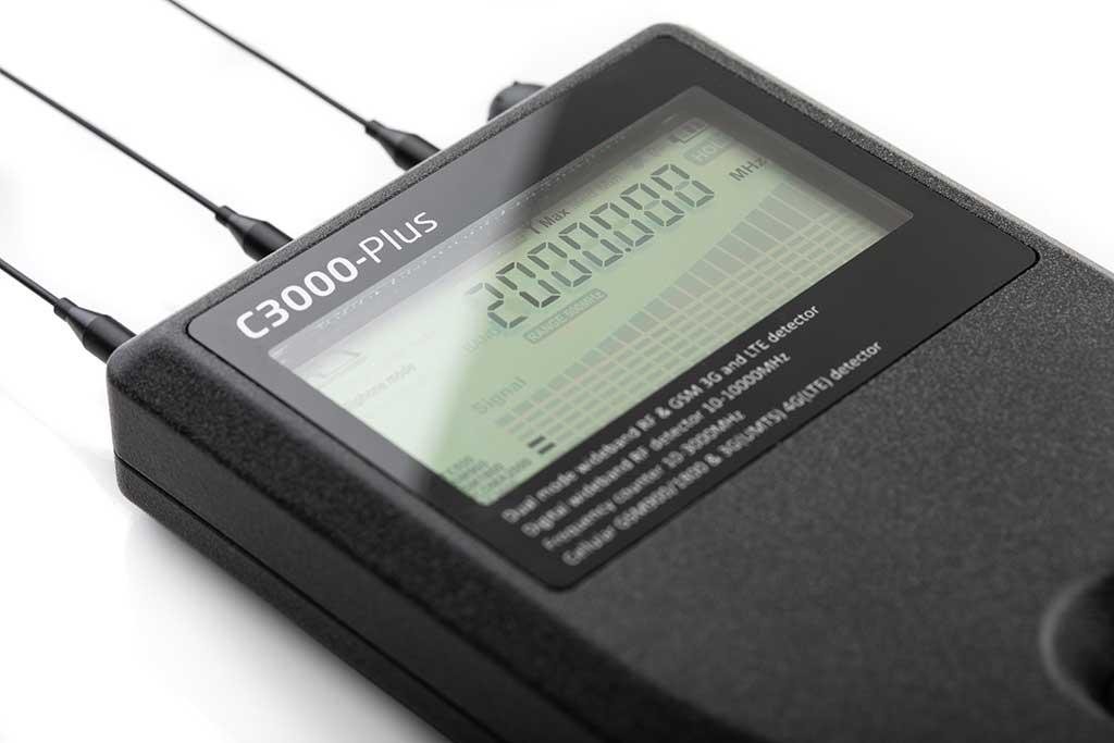 Profesionalni detektor špijunske opreme ST3000 Plus-2